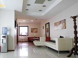 Klinik, Galeri ve Ekip